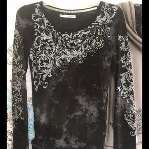 Women's vintage tshirt w embellishment - XS